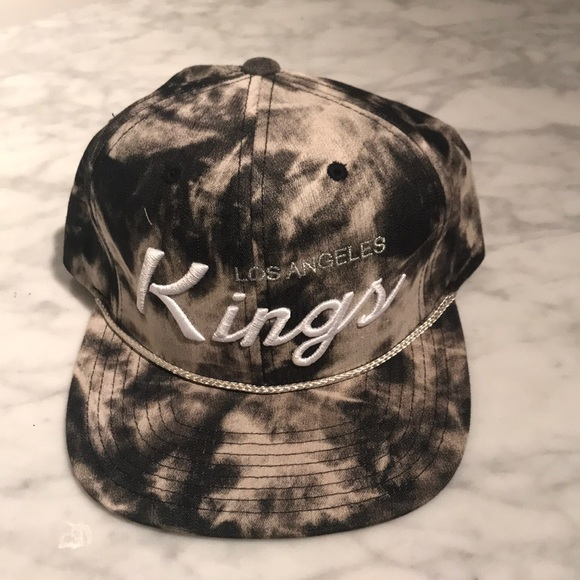 f8aaa603705 LA Kings Mitchell   Ness Snap Back hat